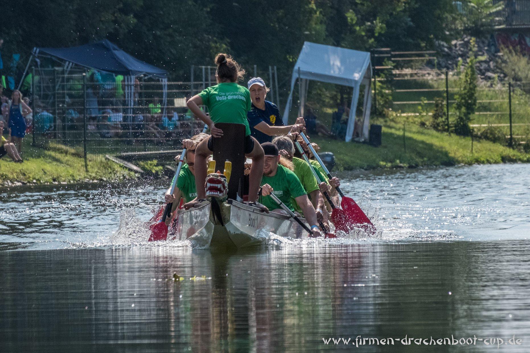 """""""Die Grün-roten VoSi-Drachen"""" beim Leipziger Drachenboot-Cup"""